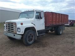 1979 International 1624 Grain Truck
