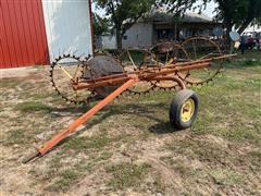 Farmhand F76B 5 Wheel Hay Rake