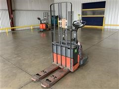 2012 Toyota 8HBE30 End Controlled Rider Pallet Jack