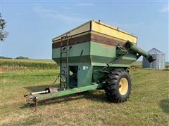 J&M 500-12 600 Bushel Grain Cart