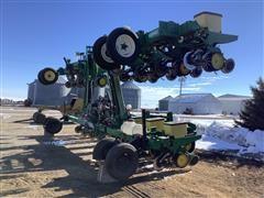 John Deere 7200 MaxEmerge 2 16R36 Planter
