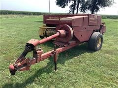Sperry New Holland 326 Square Baler