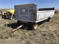 Gehl 8x14 Parade Wagon