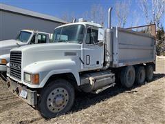 1999 Mack CH613 Tri/A Dump Truck