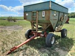 1992 J&M 250-7 6072 Side-Delivery Gravity Wagon