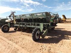 Lockwood 6100 6-Row Potato Planter W/Tanks