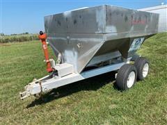 Dempster Clipper 560S Pull-Type Dry Fertilizer Spreader