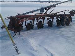 Allis-Chalmers 2000 MonoFrame 6-Bottom Plow