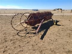 Farmhand 8-Wheel Right Hand Rake