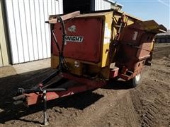 Knight Reel Auggie 3300 Feed Wagon W/Scale
