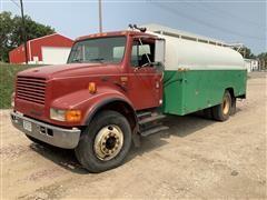 1995 International 4900 S/A Tanker Truck