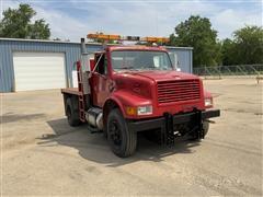 1999 International 4900 4x2 Flatbed Truck