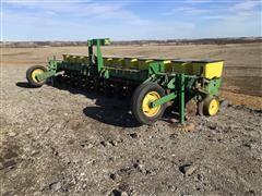 """John Deere 7100 Mounted 12R20"""" Planter"""