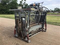 Bowman Super Duty 4000 Hydraulic Squeeze/Head Cattle Chute