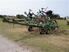 John Deere 960 26' Folding Field Cultivator