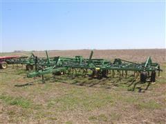 John Deere 980 36' 3-Section Field Cultivator