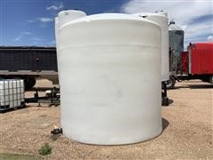 Snyder 3000-Gal Vertical Poly Tank