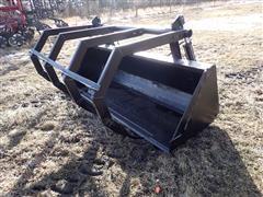Case IH 510 9' Bucket W/Grapple