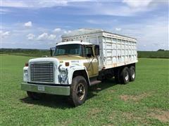1975 International 1700 Loadstar T/A Grain Truck