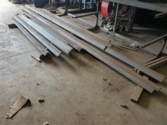 Steel Angle Iron Stock