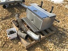 Peterbilt 389 Emission Step Box