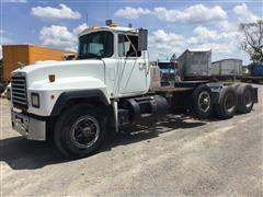 1995 Mack RD690S Tri/A Truck Tractor