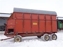 Schuler F716 T/A Forage Wagon