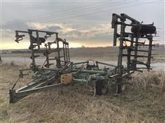 John Deere 100 Field Cultivator