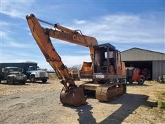 Case 880D Self-Propelled Track Excavator