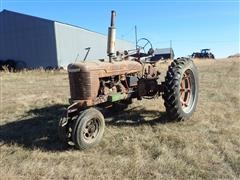 1947 International Farmall H 2WD Tractor (INOPERABLE)