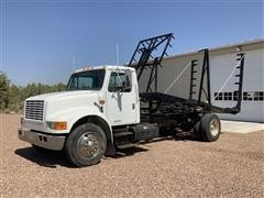1995 International 4700 S/A Hay Retriever Truck