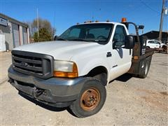 2001 Ford F350 4x4 Pickup w/ Flatbed