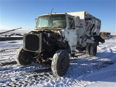 1984 Ford 7000 S/A Feed Mixer Truck