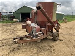 Farmhand Feedmaster Grinder Mixer