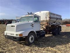 1990 International 8200 T/A Tender Truck W/Simonsen Fertilizer Box