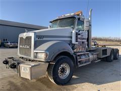 2011 Mack Titan TD713 T/A Truck Tractor (TRANS PROBLEM)
