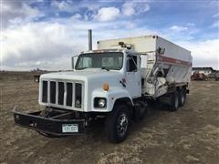 1994 International S2600 T/A Feed Truck