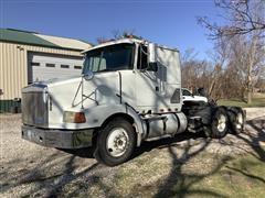1993 White/GMC Aero WIA64T T/A Truck Tractor
