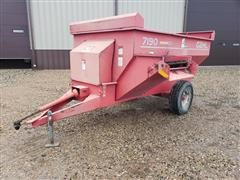 Gehl 7190 Mixing Feeder Wagon