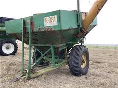 Rayne R381 Grain Cart