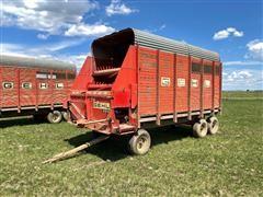 Gehl 920 Forage Wagon