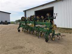 John Deere 845 Cultivator