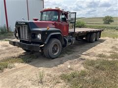 2001 Mack RD690S T/A Flatbed Truck