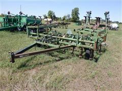 John Deere 1010 18' Folding Field Cultivator
