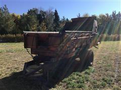 Farmhand H316A Square Bale Feeder