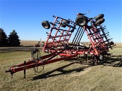 2010 Case IH Tiger-Mate 200 34.5' Field Cultivator