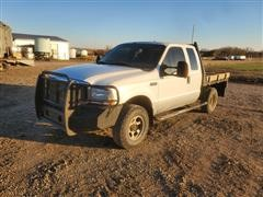 2004 Ford F250XLT Super Duty 4x4 Extended Cab Flatbed Pickup