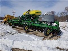 """2014 John Deere DR24 24R20"""" Planter"""