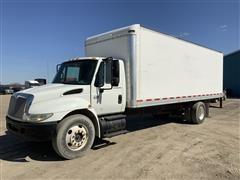 2005 International 4300 S/A 24' Box Truck