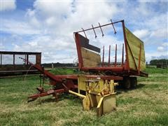 New Holland 1034 Stackliner Bale Wagon